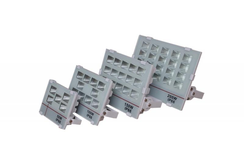 户外亮化灯具确保了光源灯珠的良好可用性